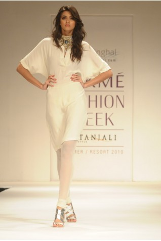 https://www.payalsinghal.com/collection/PS-FW003a0.jpg
