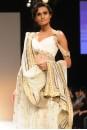 Payal Singhal Indian Wear Collection : GOLD CUTWORK CRYSTAL KURTA