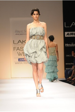 http://www.payalsinghal.com/collection/PS-FW113a0.jpg