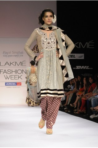 https://www.payalsinghal.com/collection/PS-FW127a0.jpg