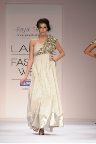 http://www.payalsinghal.com/collection/PS-FW133a0.jpg