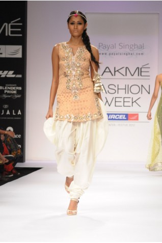 https://www.payalsinghal.com/collection/PS-FW163a0.jpg