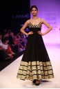 Payal Singhal Indian Wear Collection : ZAHABIA SUIT