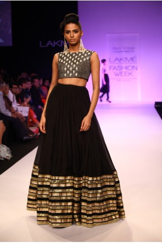 http://www.payalsinghal.com/collection/PS-FW209a0.jpg