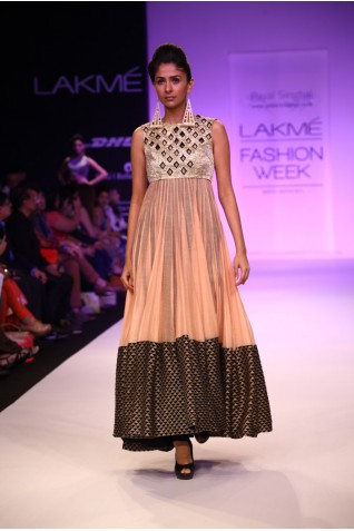 http://www.payalsinghal.com/collection/PS-FW211a0.jpg