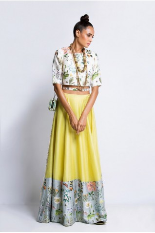 https://www.payalsinghal.com/collection/PS-FW218Da0.jpg