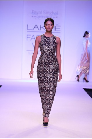 http://www.payalsinghal.com/collection/PS-FW222a0.jpg