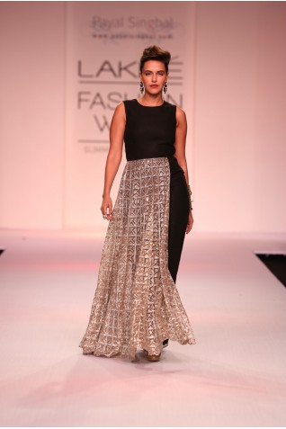 http://www.payalsinghal.com/collection/PS-FW229a0.jpg