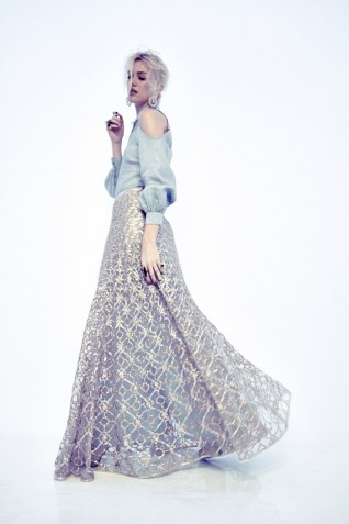 https://www.payalsinghal.com/collection/PS-FW241d0.jpg