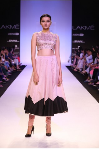 http://www.payalsinghal.com/collection/PS-FW250a0.jpg