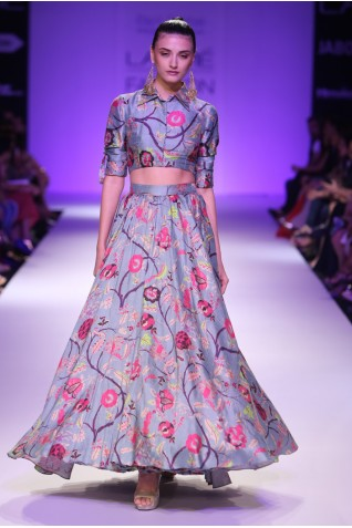 http://www.payalsinghal.com/collection/PS-FW260a0.jpg
