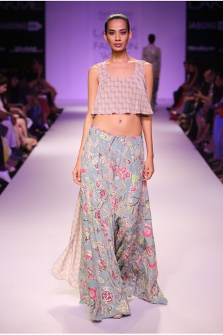 http://www.payalsinghal.com/collection/PS-FW269a0.jpg
