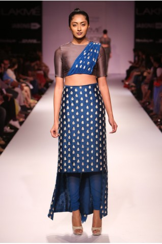 http://www.payalsinghal.com/collection/PS-FW277a0.jpg