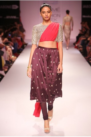 http://www.payalsinghal.com/collection/PS-FW280a0.jpg