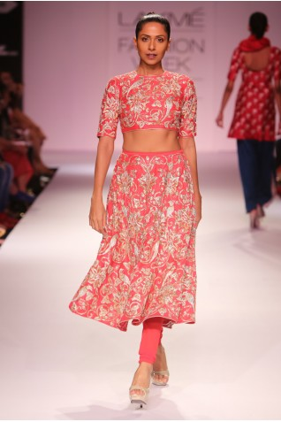http://www.payalsinghal.com/collection/PS-FW283a0.jpg