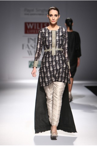 http://www.payalsinghal.com/collection/PS-FW289a0.jpg