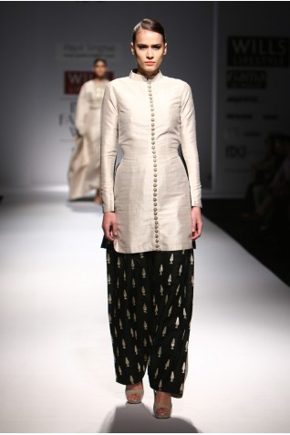 http://www.payalsinghal.com/collection/PS-FW290a0.jpg
