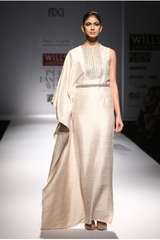 http://www.payalsinghal.com/collection/PS-FW291a0.jpg