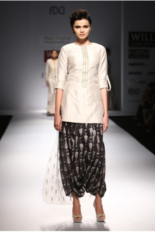 http://www.payalsinghal.com/collection/PS-FW292a0.jpg