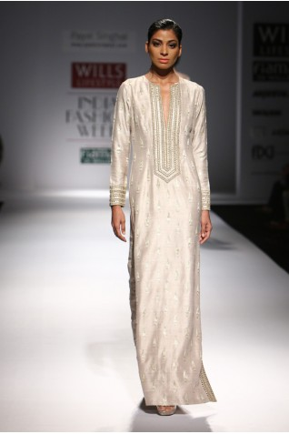 http://www.payalsinghal.com/collection/PS-FW293a0.jpg