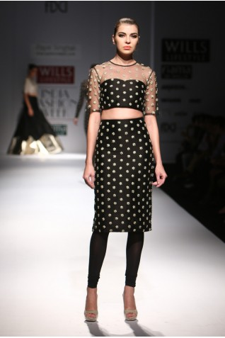 http://www.payalsinghal.com/collection/PS-FW300a0.jpg