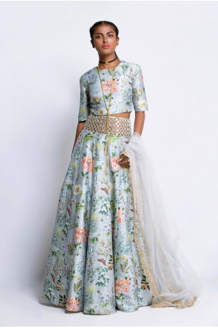 http://www.payalsinghal.com/collection/PS-FW309Ha0.jpg