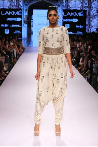 https://www.payalsinghal.com/collection/PS-FW312a0.jpg