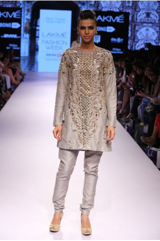 http://www.payalsinghal.com/collection/PS-FW323a0.jpg