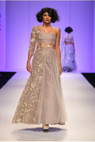 http://www.payalsinghal.com/collection/PS-FW337a0.jpg