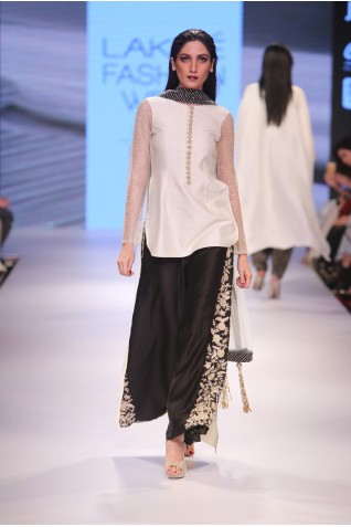 http://www.payalsinghal.com/collection/PS-FW349a0.jpg