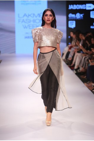 http://www.payalsinghal.com/collection/PS-FW352a0.jpg