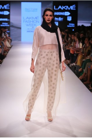 http://www.payalsinghal.com/collection/PS-FW353a0.jpg