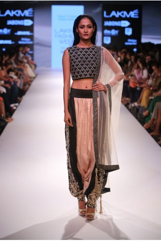 http://www.payalsinghal.com/collection/PS-FW355a0.jpg