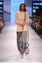 Payal Singhal Indian Wear Collection : SACHI KURTA SET