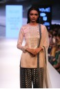 Payal Singhal Indian Wear Collection : SACHI KURTA SET