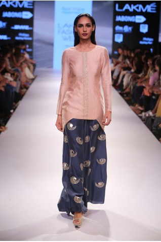 http://www.payalsinghal.com/collection/PS-FW363a0.jpg