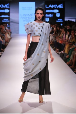 http://www.payalsinghal.com/collection/PS-FW368a0.jpg