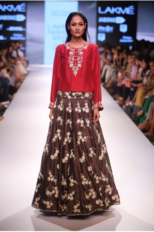 http://www.payalsinghal.com/collection/PS-FW370a0.jpg