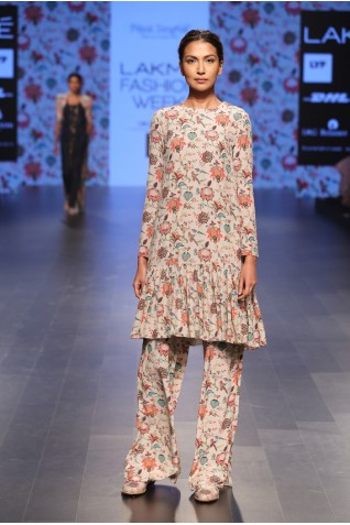 https://www.payalsinghal.com/collection/PS-FW372a0.jpg