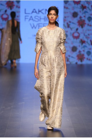 http://www.payalsinghal.com/collection/PS-FW384a0.jpg