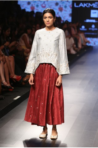 http://www.payalsinghal.com/collection/PS-FW388a0.jpg