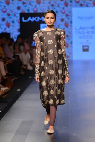 http://www.payalsinghal.com/collection/PS-FW391a0.jpg