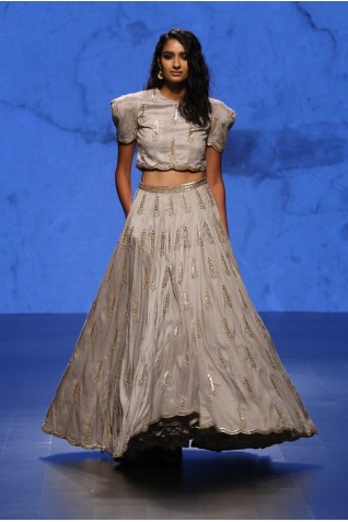 http://www.payalsinghal.com/collection/PS-FW396a0.jpg