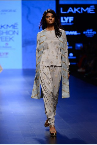 http://www.payalsinghal.com/collection/PS-FW398a0.jpg