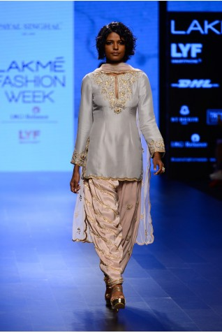 http://www.payalsinghal.com/collection/PS-FW403a0.jpg