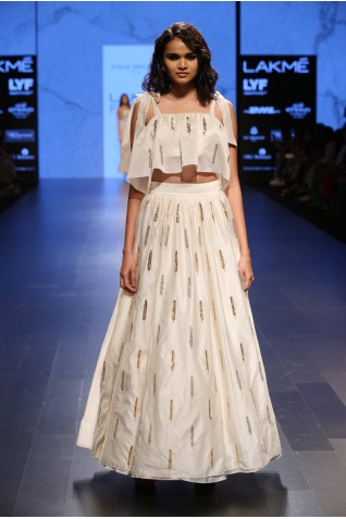 http://www.payalsinghal.com/collection/PS-FW409a0.jpg