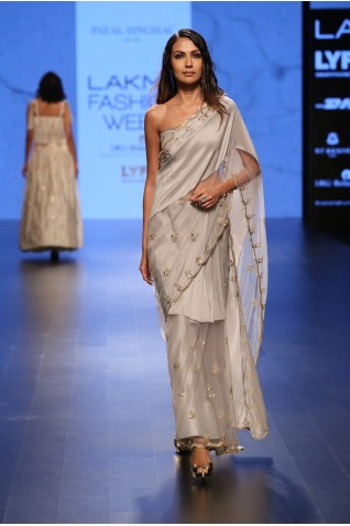 http://www.payalsinghal.com/collection/PS-FW410a0.jpg