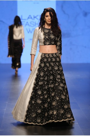 http://www.payalsinghal.com/collection/PS-FW414a0.jpg