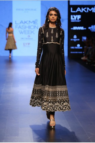 http://www.payalsinghal.com/collection/PS-FW416a0.jpg
