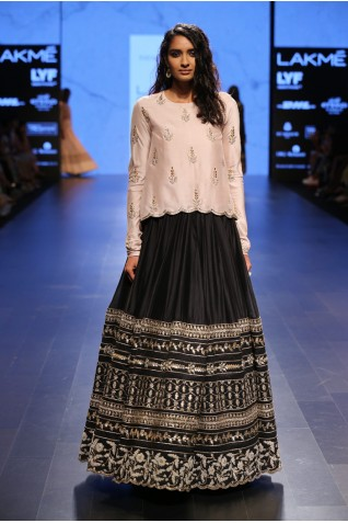 http://www.payalsinghal.com/collection/PS-FW417a0.jpg